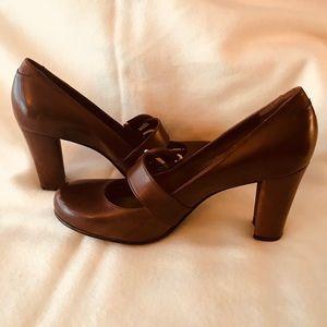 b697bf08788 ANTONIO MELANI Shoes - Antonio Melani Brown Block Heel shoes